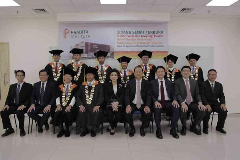 Keseruan di Tahun Akademik Pertama Pradita Institute