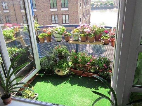 3-tips-mempercantik-balkon-rumah-anda