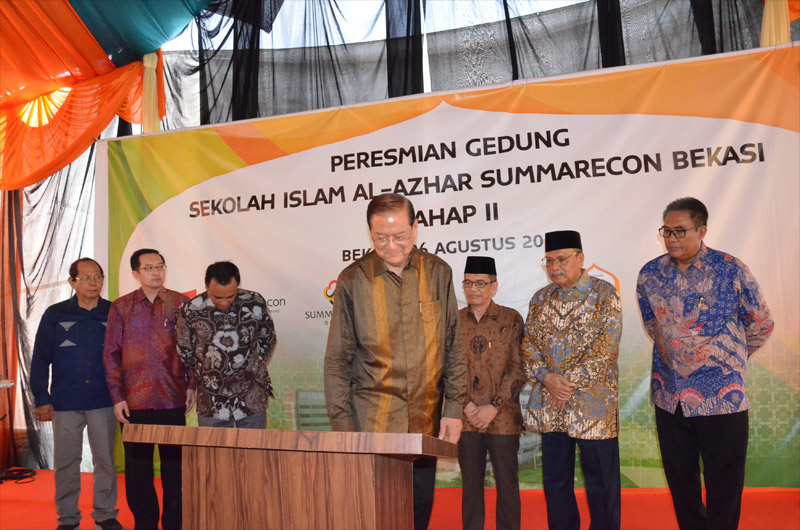 http://images-residence.summarecon.com/images/gallery/article/3175/alazhar-peresmian-1.jpg